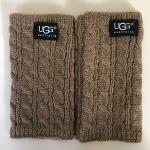 UGG Tan Wool Hand Warmers🧤